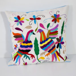 Coussin multicolore 4 Otomi ViBamos tissu mexicain.
